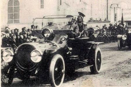 При Императоре Николае Втором первые автомобили в России